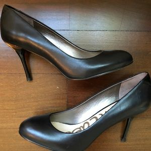 Sam Edelman Black Leather Round Toe 'Camdyn' Pumps